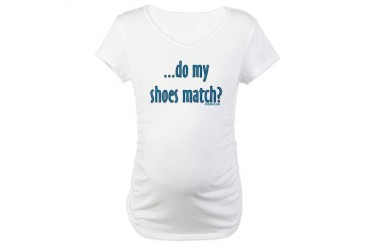 Do my shoes match? Maternity T-Shirt