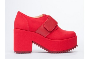 5AM London in Red size 7.0