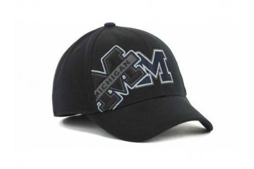 Michigan Wolverines NCAA TOW Clutch Stretch Fitted Hat