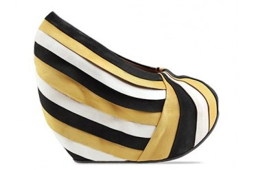 Minimarket Pleated Pump in Black Yellow White size 10.0