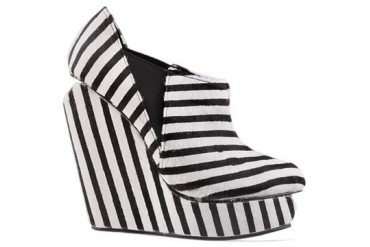 Senso Acacia Pony in Black White Stripe size 6.0