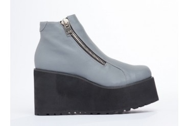 UNIF Daria Boot in Reflective size 7.0