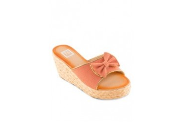 Te Chi-Chi Wedges with Bow