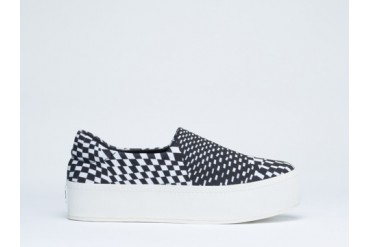 Opening Ceremony Slip On Platform Sneaker in White Techno size 11.0