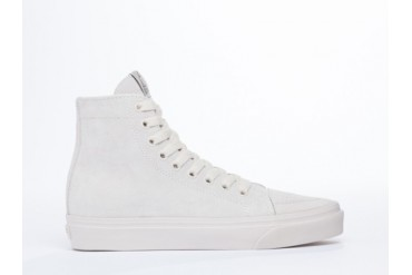 UNIF 101s in White size 10.5