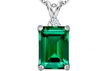 Star K 14x10mm Emerald Simulated Emerald Pendant