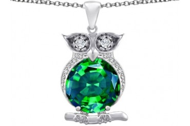 Star K 10mm Simulated Emerald Good Luck Owl Pendant