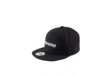 Supreme @ Unity Store KL X New Era