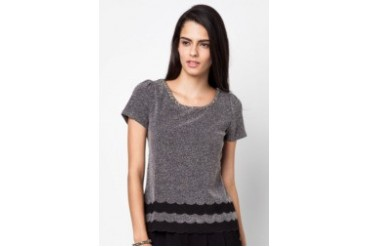 Inner Circle Fixated Scallop Hem Top
