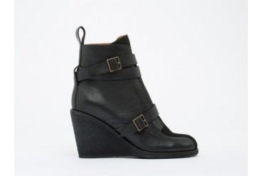 See By Chloe SB23121 in Black size 10.0