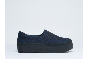 Opening Ceremony Slip On Platform Sneaker in Navy Techno size 7.0
