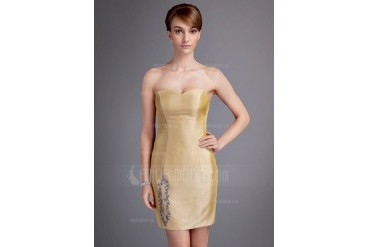 Sheath/Column Sweetheart Short/Mini Taffeta Mother of the Bride Dress With Appliques (008016034)