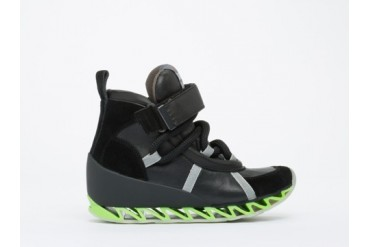 Bernhard Willhelm X Camper Himalaya Mens in Black Green size 13.0