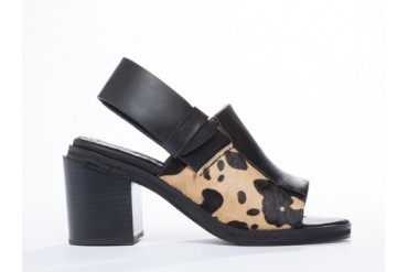 I Desire The Things That Will Destroy Me Chai in Tan Black size 5.0
