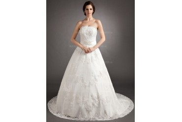 A-Line/Princess Strapless Chapel Train Satin Tulle Wedding Dress With Lace Beading Bow(s) (002012218)