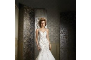 "Alfred Angelo Sapphire ""In Stock"" Wedding Dress - Style 883"