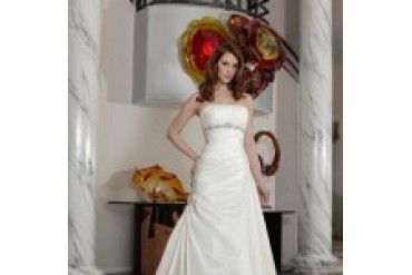 "Davinci ""In Stock"" Wedding Dress - Style 8460"