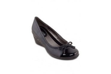 Larrie Court Wedges