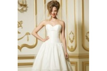 "WTOO ""In Stock"" Wedding Dress - Style Umbriel 11420"