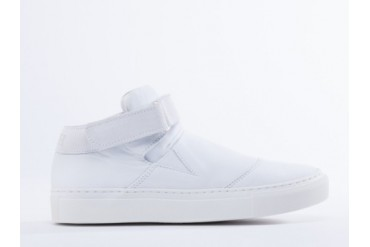 Won Hundred Wilde in White Leather size 9.0
