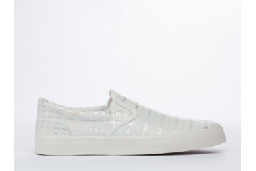 Starstyling Berlin Camou Slip On in White Glow Silver size 10.0
