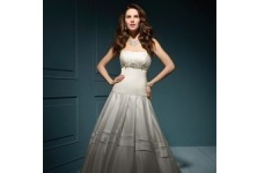 "Alfred Angelo Sapphire ""In Stock"" Wedding Dress - Style 827"