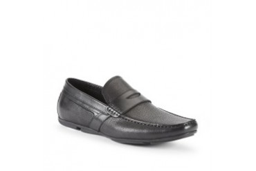 Wonder-Lust Pebbled-Leather Penny Loafer