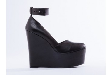I Desire The Things That Will Destroy Me Bowery in Black size 7.0