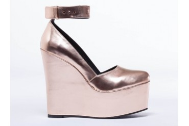 I Desire The Things That Will Destroy Me Bowery in Rose Gold Metallic size 8.0