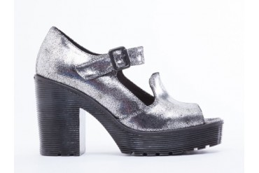 To Be Announced Nye in Silver Crackle size 9.0