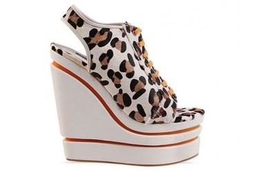 Senso Madison in Snow Leopard Orange Laces size 7.0