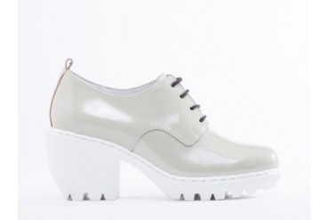Opening Ceremony Grunge Oxford in Silver Pearl Patent size 9.0