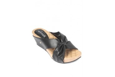 Claire Wedges