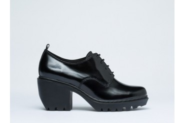Opening Ceremony Grunge Oxford in Black Patent size 11.0