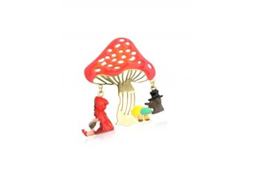 Chaperon et Champignon Little Red Riding Hood Wolf and Mushrooms Brooch