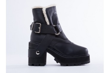 UNIF Sherpa Boot in Black size 5.0