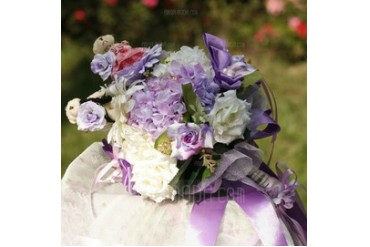Lovely Hand-tied Satin Bridal Bouquets (124032058)