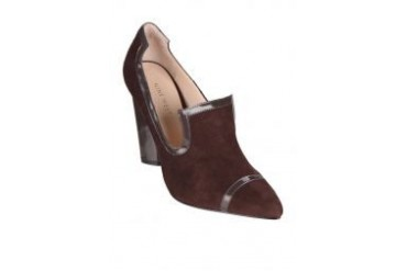 Nine West Exclusive NWSTREEK