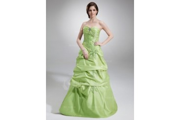 A-Line/Princess Sweetheart Floor-Length Taffeta Quinceanera Dress With Ruffle Lace Beading (021020767)
