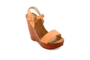 BETTINA Shoes Brenda Wedges With Straps