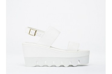 YES Werque in White White size 8.0