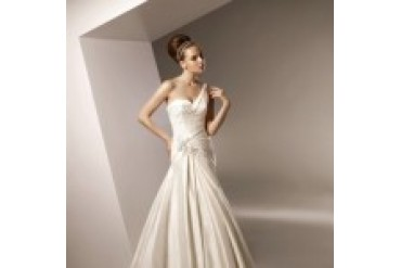 "Anjolique ""In Stock"" Wedding Dress - Style 2105"