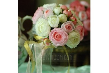Eye-catching Round Satin Bridesmaid Bouquets (124032072)