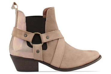 To Be Announced Zola in Taupe Leather size 6.0