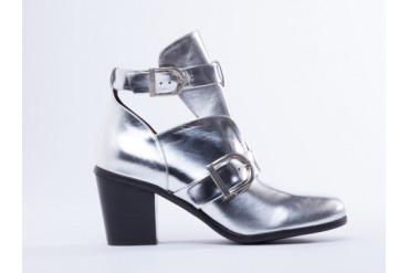I Desire The Things That Will Destroy Me Uptown in Metallic Silver size 11.0