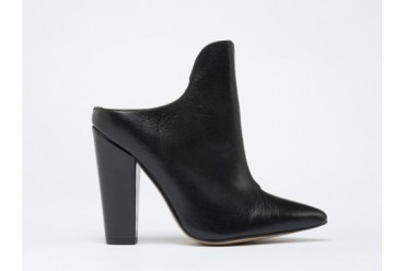To Be Announced Wagner in Black Leather size 7.0