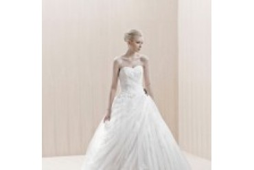 "Blue by Enzoani ""In Stock"" Wedding Dress - Style Enschede"