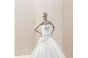 Blue by Enzoani Wedding Dresses - Style Elkhart
