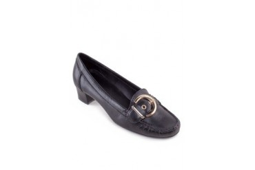 Via Uno by Shoeville Heels with Buckle