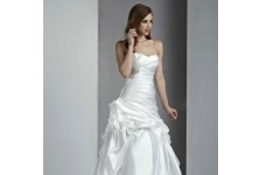 "Davinci ""In Stock"" Wedding Dress - Style 50002"